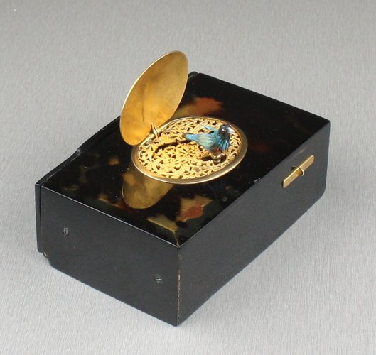 Antique Tortoiseshell and gilt metal singing bird box, by Bontems