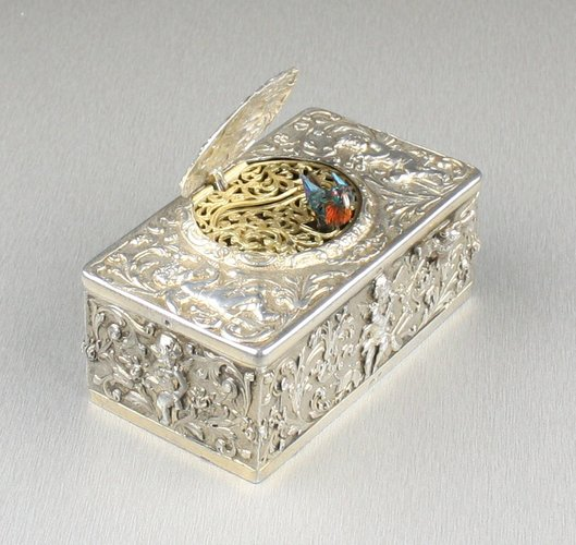 Narrow-proportioned silver singing bird box