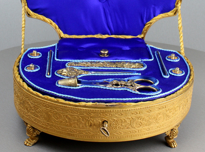 A highly desirable and fine antique gilt metal and silver-gilt Palais Royale musical necessaire