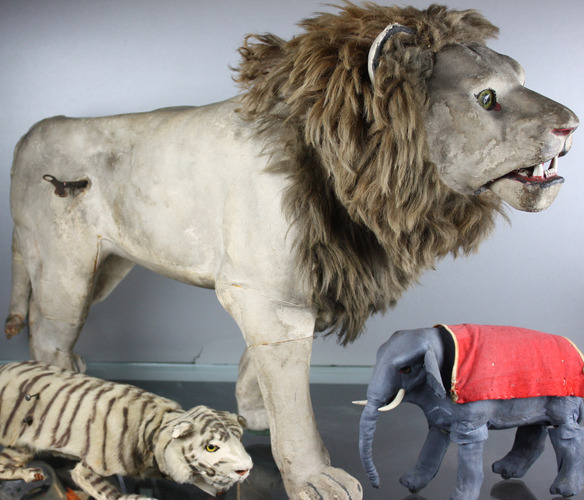 Large Antique leathered nodding Lion Automaton, by Roullet & Decamps